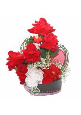 Arranjo Caixinha de Coração com Rosas Vermelhas Importadas