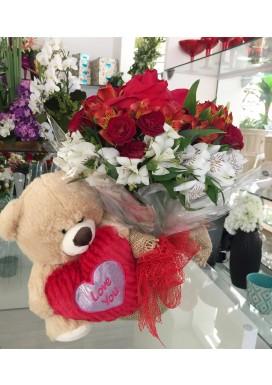 Urso com Topiaria de Rosas Vermelhas