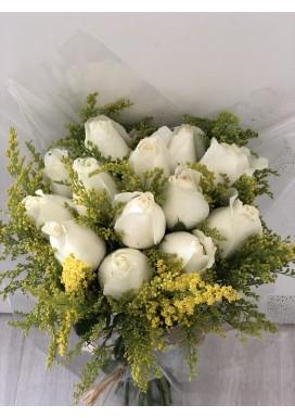 Topiaria com 12 Rosas Brancas