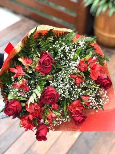 Bouquet Meia Dúzia Rosas Botão Red