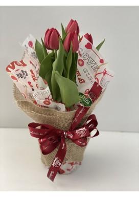 Tulipa vermelha embalada