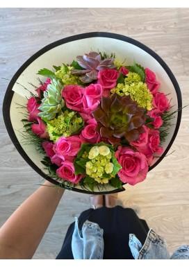 Top Mulher Suculentas + rosas