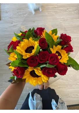 Top girassol + rosas