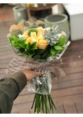 Bouquet Rosas + Suculentas